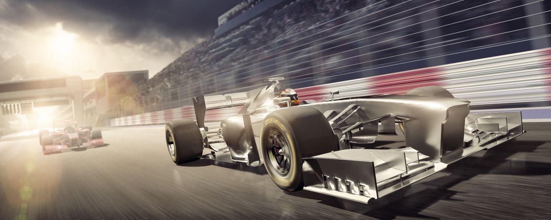 Due auto da corsa rappresentano la velocità della memoria e la latenza CAS