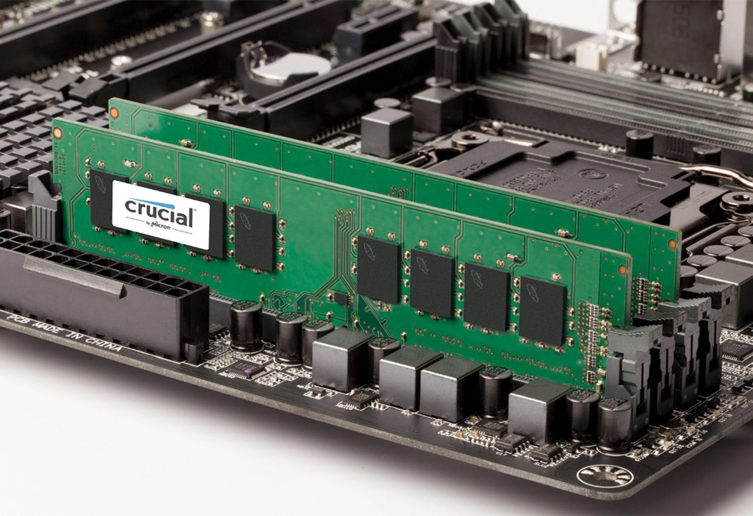 Due moduli di memoria RAM Crucial al posto di una scheda madre