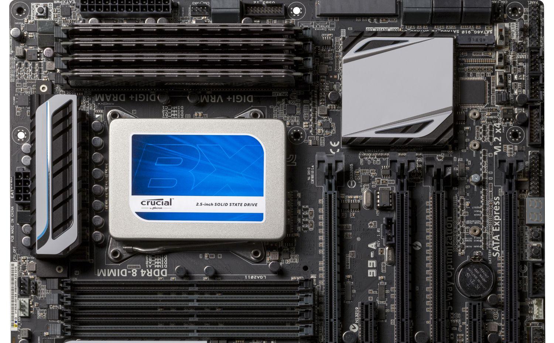 SSD Crucial installato su un computer